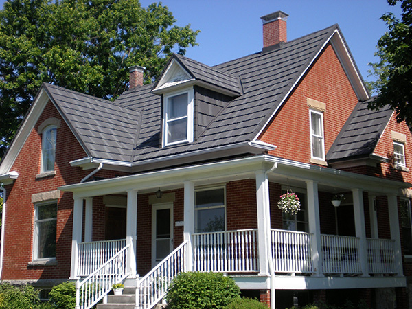Is a Metal Roof a Good Option for New England Homeowners?